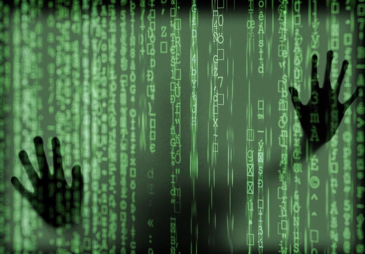 Gli specialisti dell'agenzia investigativa Octopus considerano gli archivi connessi in rete un pericolo costante; prima o poi qualcuno riesce a violarli.