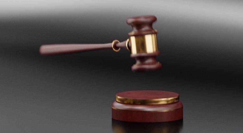 Lo strapotere dei magistrati finisce per indebolirli e privarli delle loro funzioni più genuine. Lavorando in un'agenzia investigativa che si occupa di indagini penali difensive criminalistiche si assiste spesso a questo genere di aberrazione.