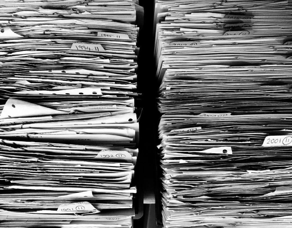 Se non estinguiamo i burocrati, la burocrazia ci porterà all'estinzione.