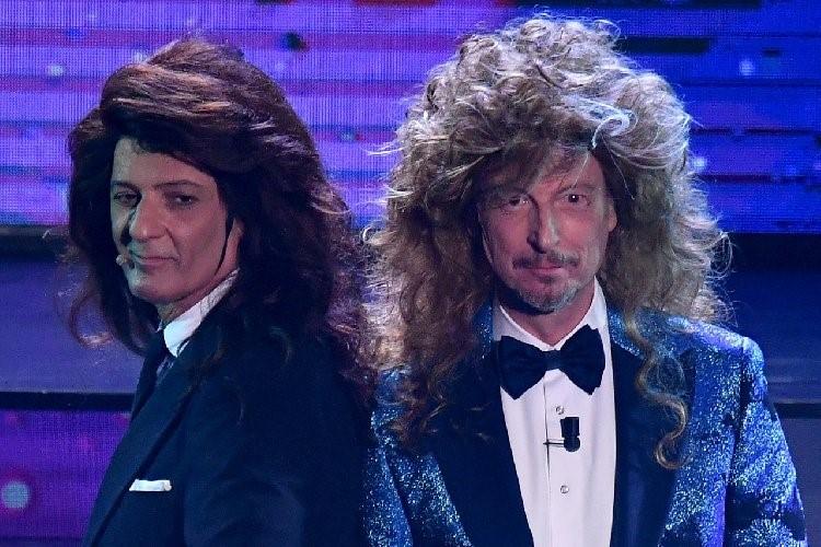 Il Festival di Sanremo senza pubblico nel Teatro Ariston intristisce, ma è nelle difficoltà che si riconoscono i veri professionisti dello spettacolo.